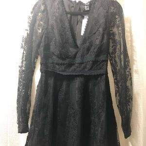 NWT forever 21 BLK Med lace dress